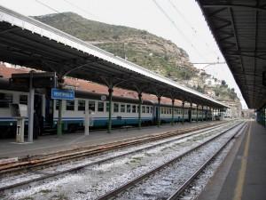 Željeznička postaja Ventimiglia na granici između Italije i Francuske (Izvor: Wikipedia.org.