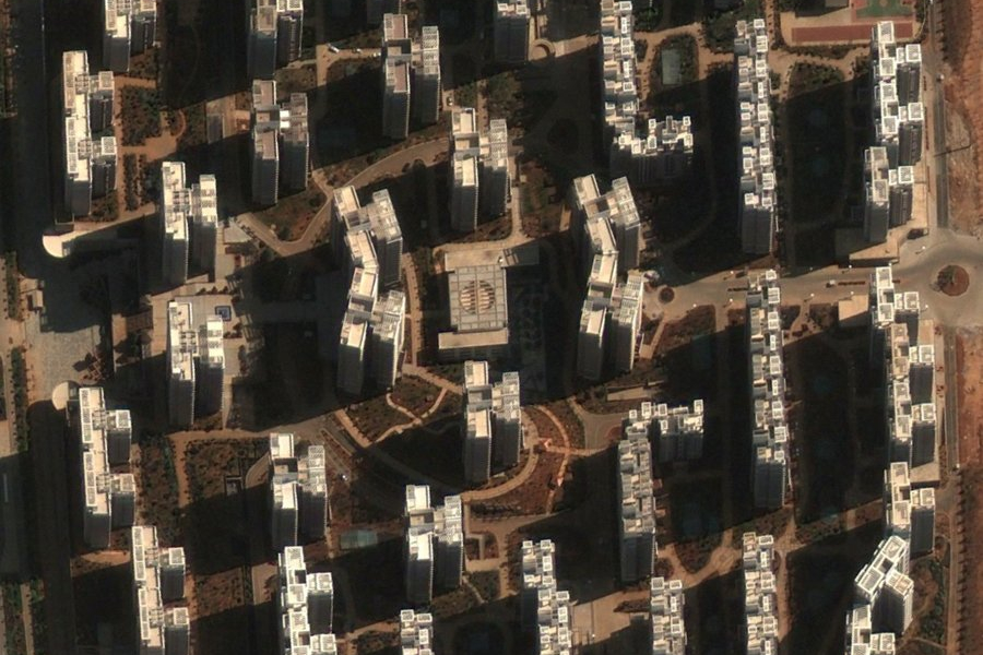 Satelitska fotografija Chenggonga, u kojem već preko 100,000 stanova stoji prazno (Izvor: Business Insider.