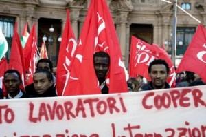 Radnici logistike u Italiji u borbi za svoja radnička prava, ljeto 2013. godine (Izvor: Struggles in Italy)