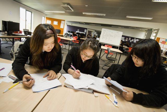 Studentice jedne novozelandske više srednje škole (izvor: commons.wikimedia.org).