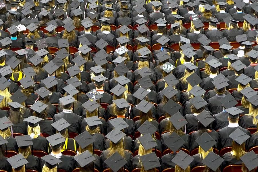 Studenti Sveučilišta u Nebraski na promociji (izvor: John Walker prema Creative Commons licenci).