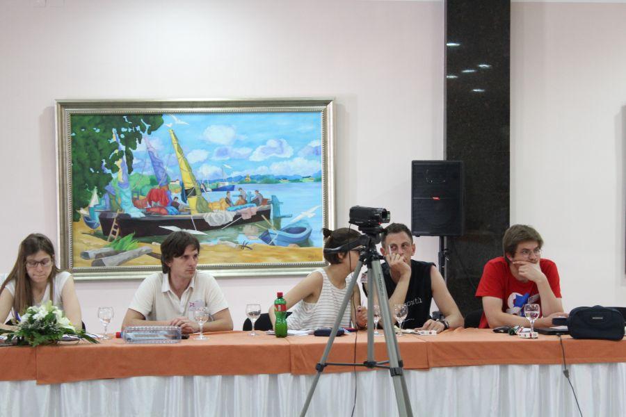 Dio učesnika i kamera SkriptaTV-a prate predavanje Campbella Jonesa, 24. lipnja (foto: ISSH-S).