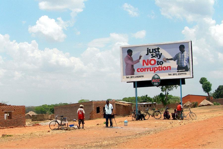 Antikorupcijski plakat u Zambiji. Foto: Lars Plougmann. (Izvor)