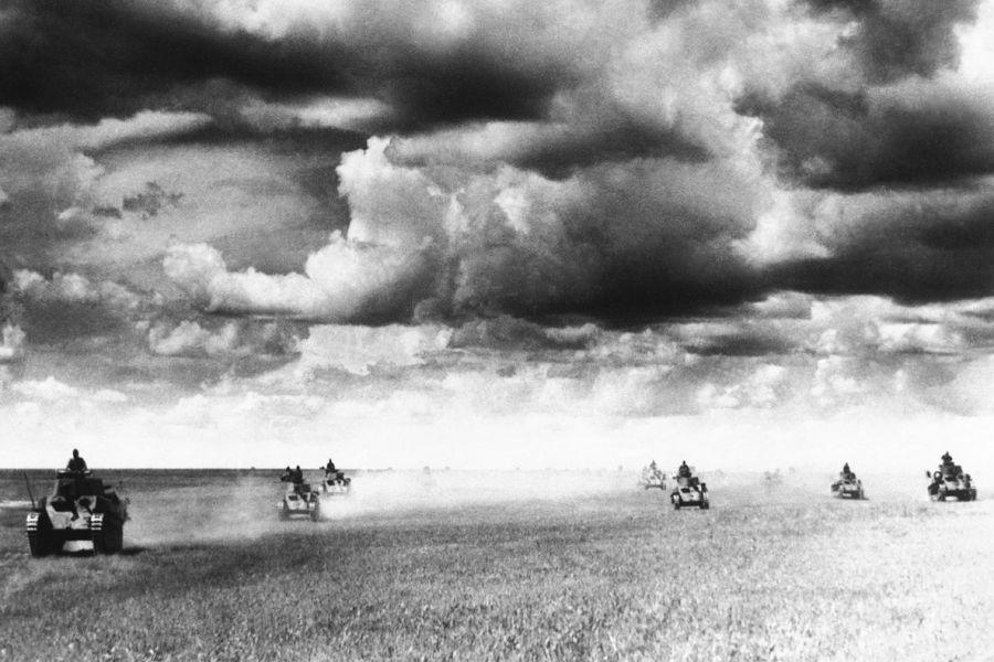 Japanski laki tenkovi elitne Kwantunške armije u ofenzivi protiv sovjetsko-mongolskih snaga na rijeci Khalkhi/Halki, srpanj 1939. godine (izvor: wikimedia).