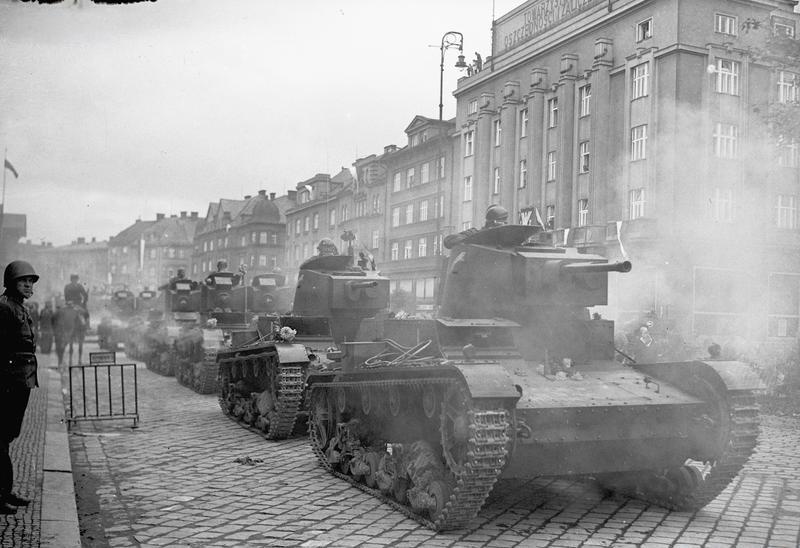 Poljski tenkovi sudjeluju u komadanju Čehoslovačke, listopad 1938. godine (izvor: wikimedia).