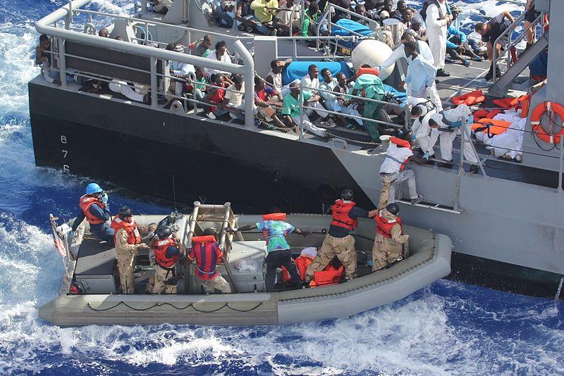 Akcija spašavanja migranata na Mediteranskom moru, listopad 2013. godine (izvor: Wikimedia).