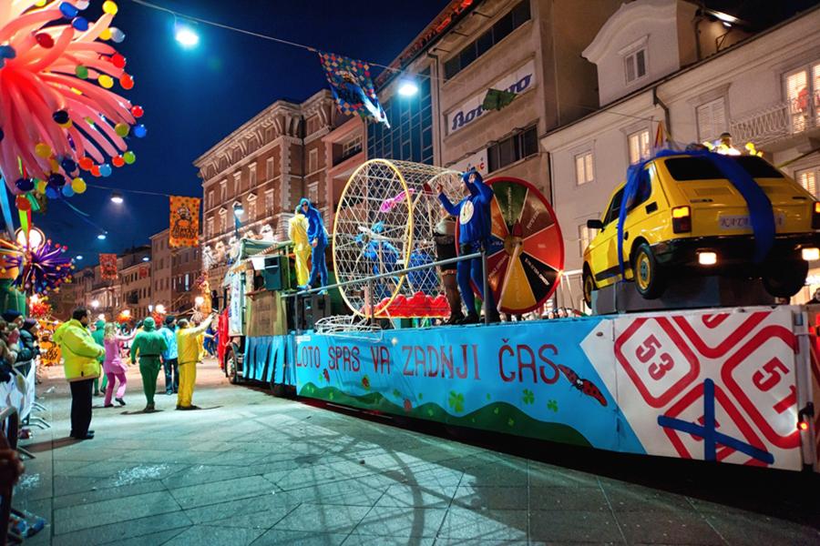 30. Riječki karneval, 10. veljače 2013. (izvor: Roberta F. prema Creative Commons licenci).