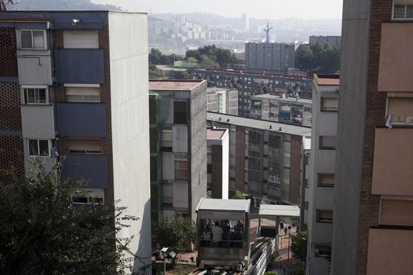 Ciudad Meridiana, četvrt u okrugu Nou Barris na periferiji Barcelone, gdje su provedene brojne deložacije zbog neplaćanja hipoteka, studeni, 2011. (izvor: Oriana Eliçabe @ Flickr, preuzeto prema Creative Commons licenci)