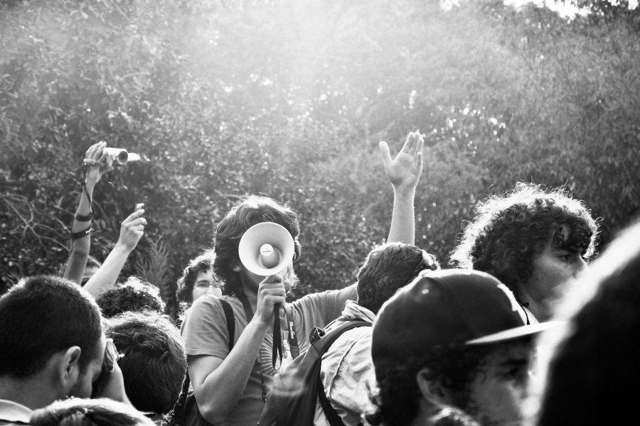 #YoSoy132 prosvjedi na ulicama Guadalajare u vrijeme predsjedničkih izbora 2012. protiv kandidata Institucionalne revolucionarne stranke (Partido Revolucionario Institucional, PRI) Enriquea Peñe Nietoa, aktualnog predsjednika Meksika. (izvor: Gabriel Saldana prema Creative Commons licenci).