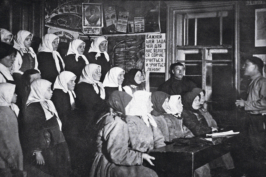 Obrazovanje stanovništva 1930-ih u selu Shorkasy (okrug Cheboksary) (Izvor: Wikimedia Commons)