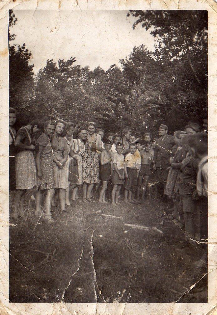 Boban u Đurđevcu, točnije u šumi Boriku, 1944. godine (Izvor: Zbirka Matije Vogrinčića, Kralja Tomislava 11, Đurđevac)